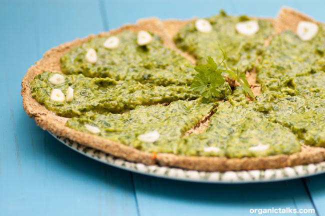 raw pizza with spinach on top, stanka vukelic, raw pizza recipe